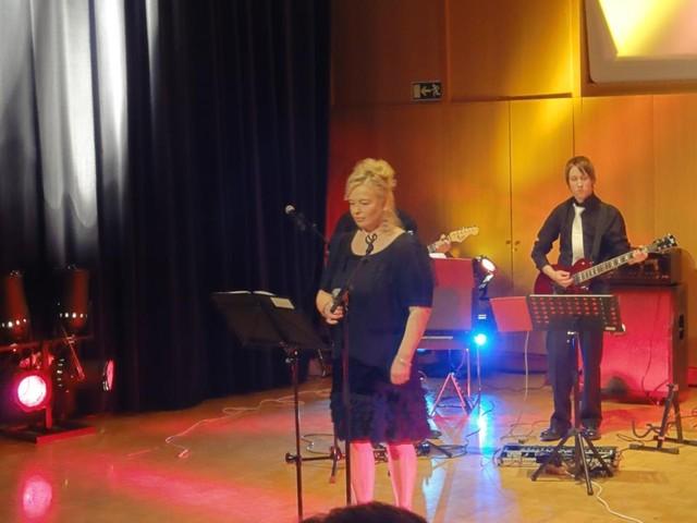 Konsertti Varjakka-salissa Oulunsalossa 15.10.2011
