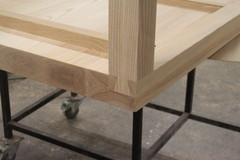 Saarnipöytä lohenpyrstöliitoksin, rakenne 2