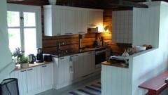 Hirsituvan keittiö2