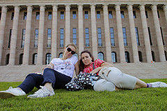 fi, hki, at the parliament house, eni and lila, 20110820. photo hannu sinisalo