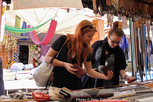 heta_tuppurainen_borgo_maggiore_market_san_marino_2012_242
