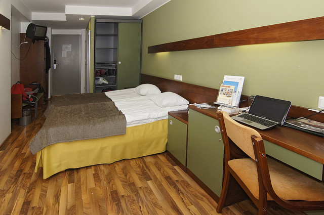 tallinn_piritaspa_just_ordinary_room_but_spacious._photohannusinisalo_20121010