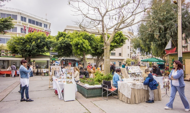 28._iraklion_platia_daskalogiannis_saturday_market._photo_hannu_sinisalo.