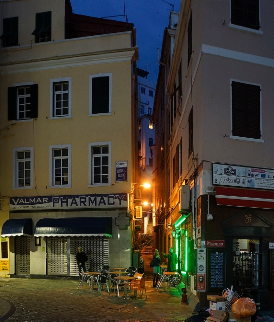escaping_winter_1st_day_gibraltars_main_street_and_its_side_alleys_in_the_evening_25.1.2018._b.