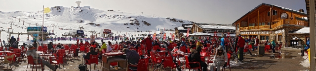 escaping_winter_6th_day_a_lot_of_ski_people_in_sierra_nevada_borrequiles..