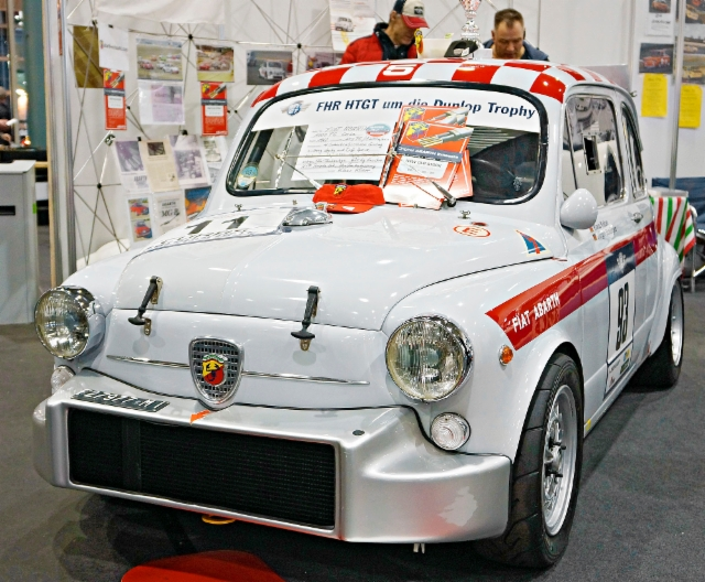 escaping_winter_11th_day_classic_motorshow_bremen_fiat_500_abarth.