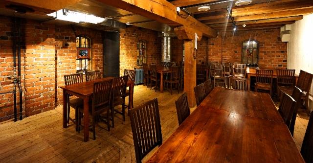 010._telakka_cultural_house_upstairs_restaurant_room.