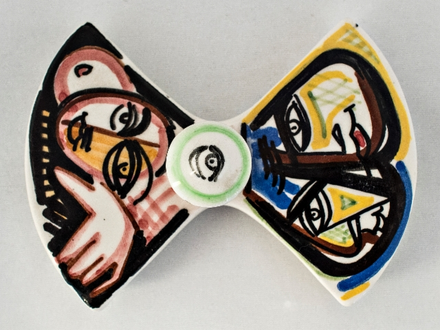 0079._unique_hand_painted_ashtray_with_style_picasso._marmaca.__foto__hannu_sinisalo_2019.