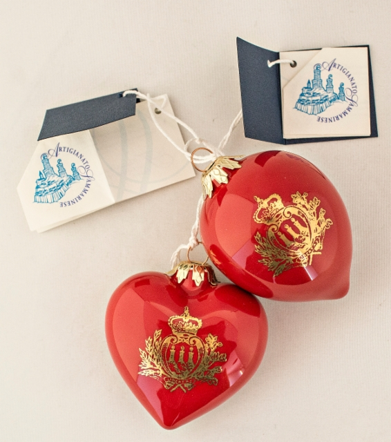 0109._two_christmas_decorations_with_artigianato_sammarinese_-labels.__foto__hannu_sinisalo_2019.