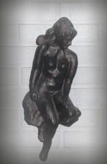 Rantatyttö, kipsi, 2001