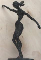 Tanssija, pronssi, 2004