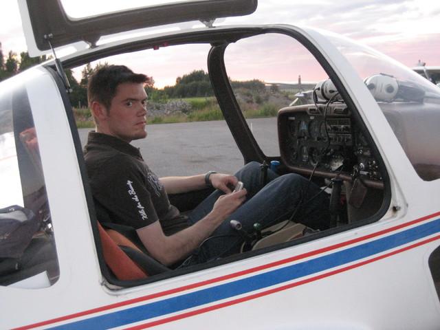Joni valmiina lentoon