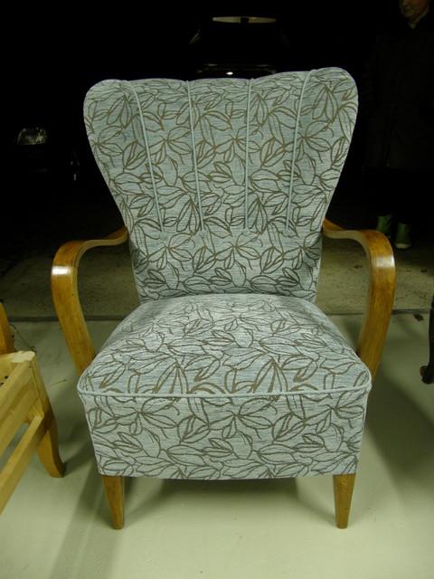Muhkea k-tuoli