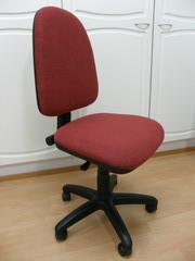 Pieni toimistotuoli
