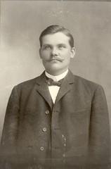 vaino helomaa (hellman) 1910