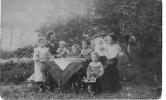 eemil ja olga helkio perhekuva 1906 (large)