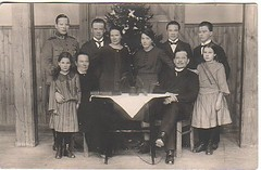 eemil ja olga helkion perheen joulukuva noin 1924