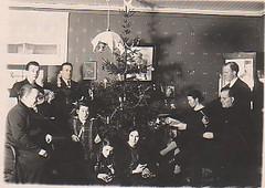 joulunviettoa eemil ja olga helkion perhepiirissa ehka v.1924