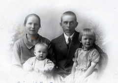 aina ja artturi paavola 1930