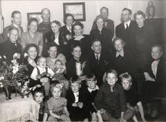 viiala 1950-luku, anna niemi keskirivi oik (large)
