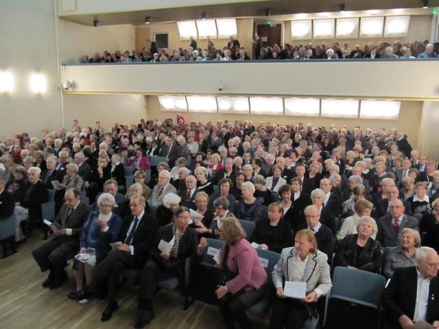 Sibelius-Akatemian konserttisali täyttyi jo hyvissä ajoin.