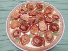 Ruusu-omenapiirakka