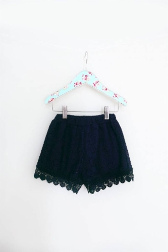 maeli-rose-all-over-lace-shorts-navy.jpg&width=400&height=500