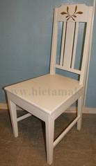 Maalattu tuoli