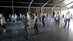 Tanssiteltasta valmiina askeliin
