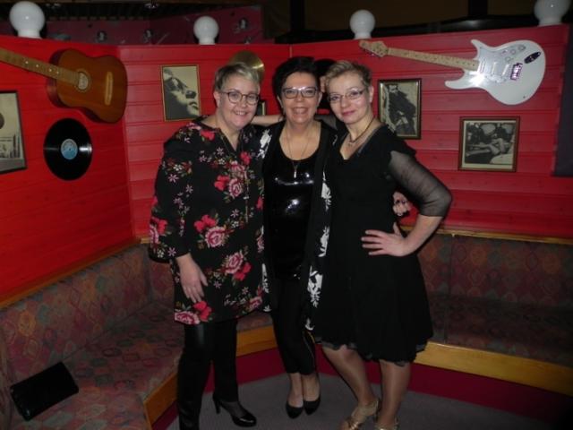 Seuran perustajajäseniä Anu, Jaana ja Taina