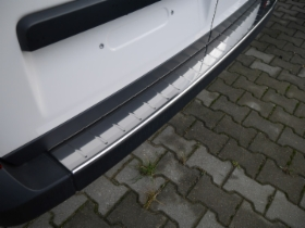Rear_Bumper_Sill_Cover_a.jpg&width=280&height=500