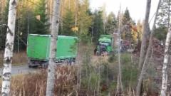 Hakkeen tekoa Höytiällä 14.10.2019