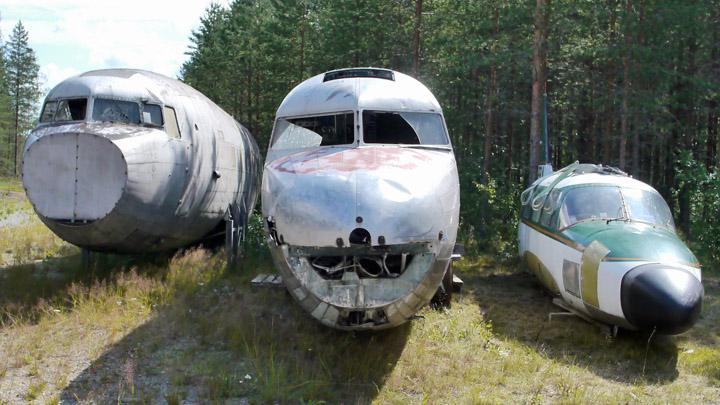 Vanhojen lentokoneiden tietokantaan