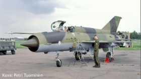 MiG-21BIS_MG-134_Petri_Tuominen.jpg&width=280&height=500