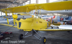 de_Havilland_D.H.82A_Tiger_Moth_II_OH-XLA_Seppo_Maki.jpg&width=280&height=500