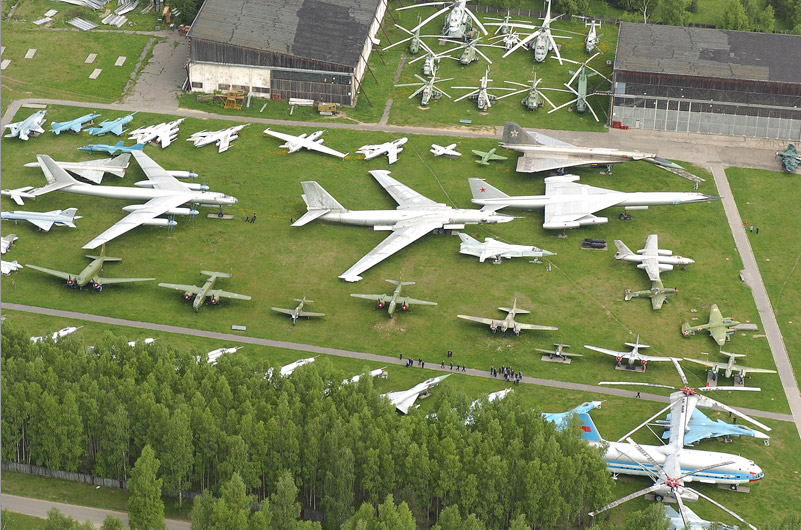 Aviation_museum_in_Monino_800_px_levea.jpg
