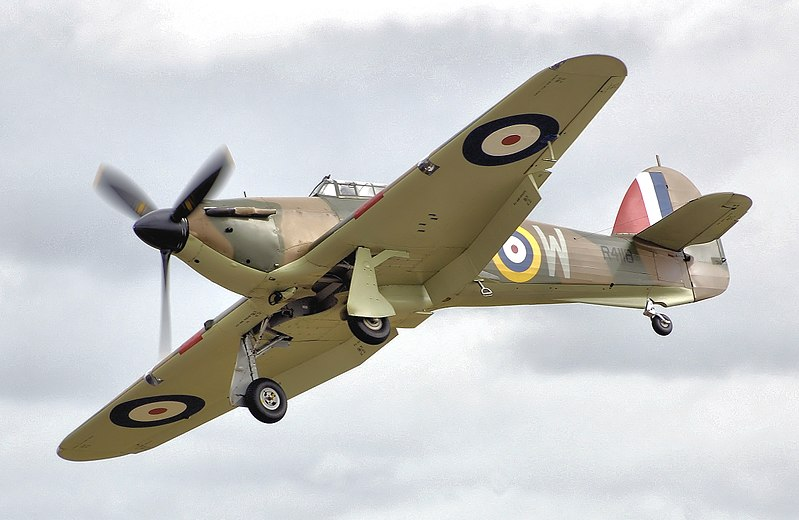 800px-Hurricane_mk1_r4118_fairford_arp.jpg