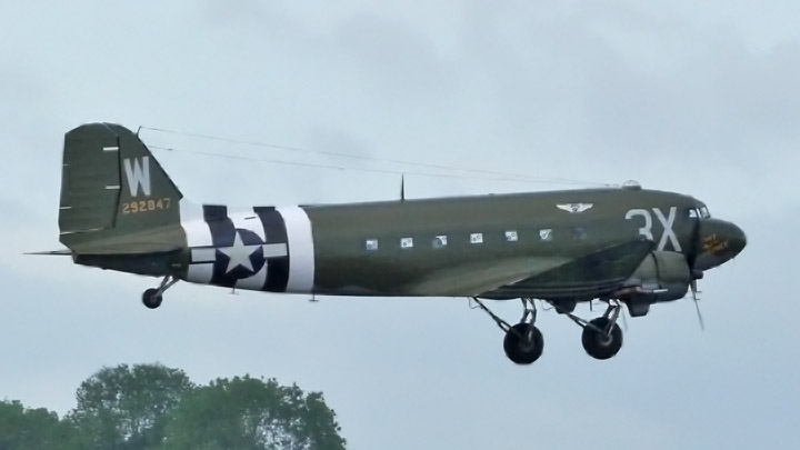Douglas_C-47_Thats_All_Brother_720x405_Caen_2019.jpg