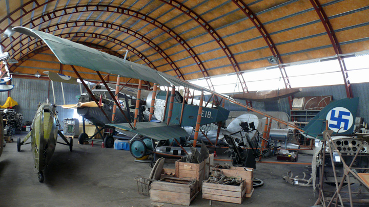 Hallinportti_Aviation_Museum_2009.jpg