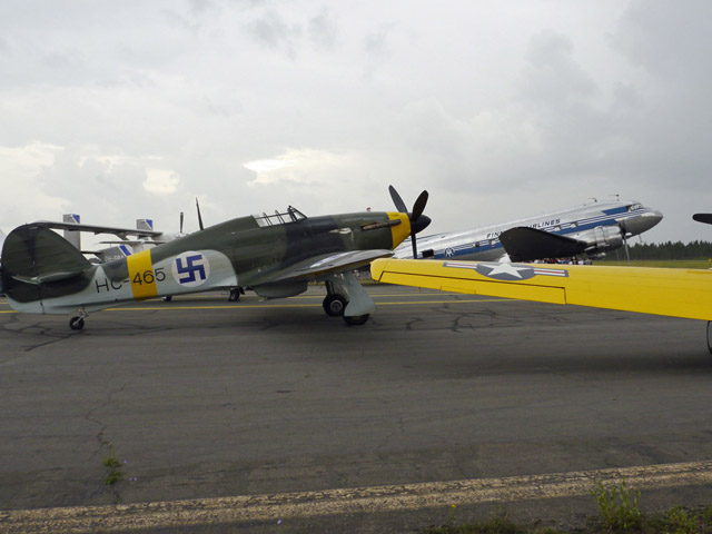 old_aircrafts_in_oulu_2014-08-09_640x480.jpg