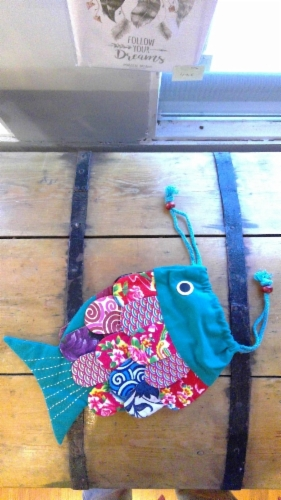 Recycled_handmade_fish_bag_1&width=280&height=500