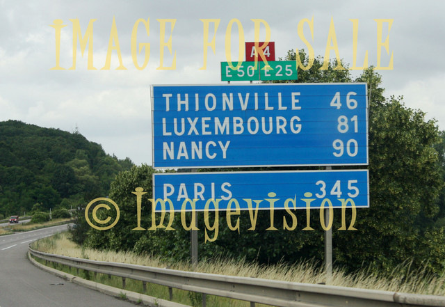 for sale distances to paris and luxembourg