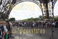 for sale queues around eiffel