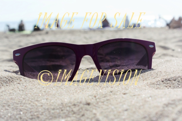 sand_beach_and_sunglasses
