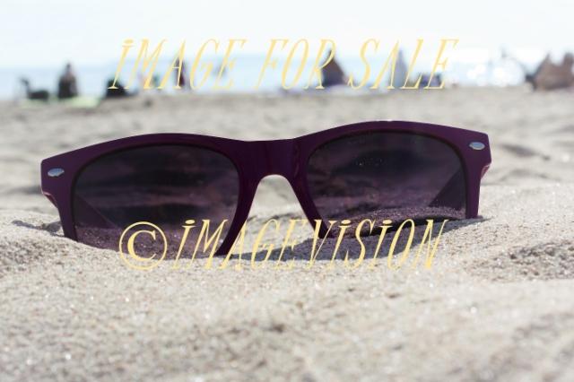 sand_beach_and_sunglasses