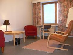 Huoneen INTENSA 3 interiööriä.