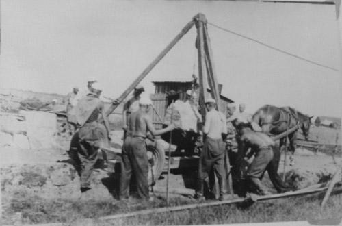 Joutsenolaiset linnoitustöissä Karjalan kannaksella v.1939