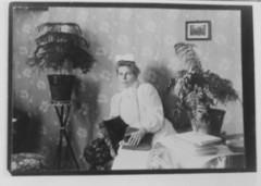 Hackmanin sahan sairaanhoitajatar Klaara Liljeberg 1910-luvulla