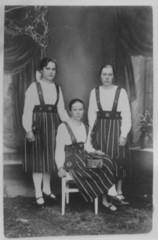 Aili Solja, Anna Keiniö ja Hilda Hyvättinen 1910-luvulla