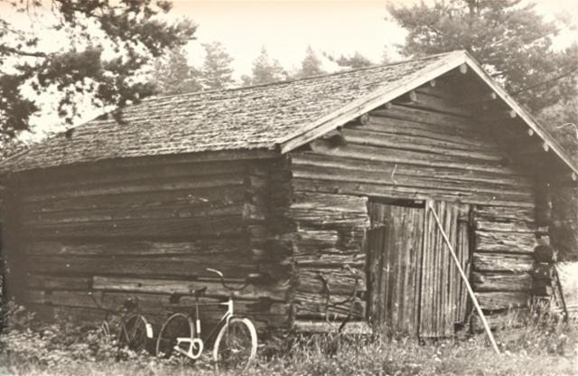 Kärriliiteri Niittyharjun talosta